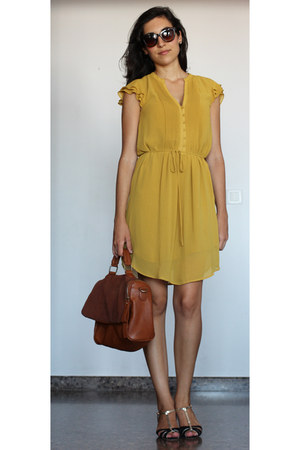 mustard H&M dress - tawny amichi bag