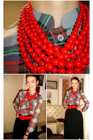 red Accessorize necklace - dark green worn as blouse LTB dress