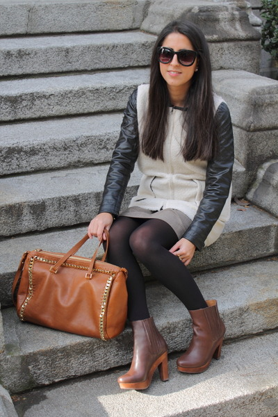 burnt orange bag - crimson boots - black coat