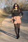 Black-boots-black-bag-light-pink-shorts-black-jumper