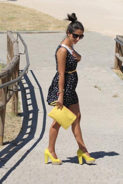 db9de195cf1a navy dress - yellow bag - yellow heels
