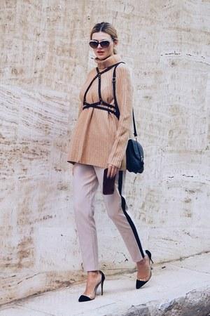 dark brown ALOHA EYES sunglasses - tan SIMILAR sweater - black New Chic bag