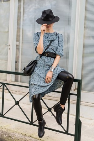 black SIMILAR boots - teal GAMINE RAG VINTAGE dress - black Chic Me leggings