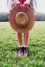 Brown-vintage-boots-light-pink-vintage-purse-white-charlotte-russe-socks