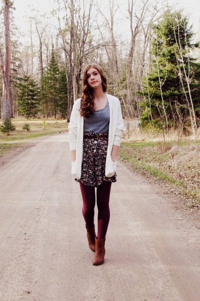charcoal gray floral vintage skirt - burnt orange Steve Madden boots