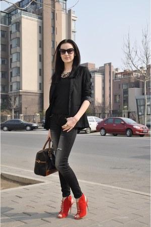 Stradivarius jeans - black Zara blazer - brown Zara purse - red heels