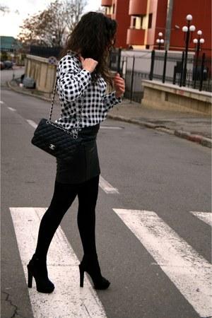 Chanel bag - Zara sandals
