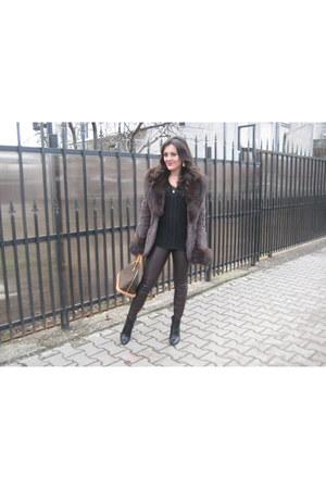 il passo boots - Zara leggings - Louis Vuitton bag