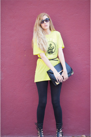 Zara leggings - Stradivarius bag - Claires sunglasses - Zara t-shirt