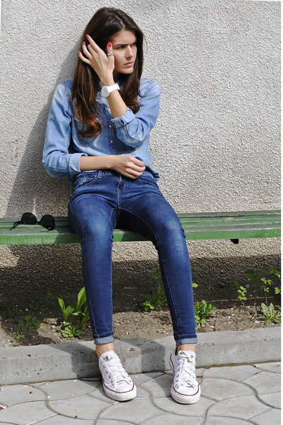 denim H&M shirt - Mango jeans - Converse sneakers