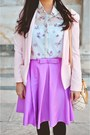 Light-pink-office-mango-blazer-white-floral-print-stradivarius-shirt