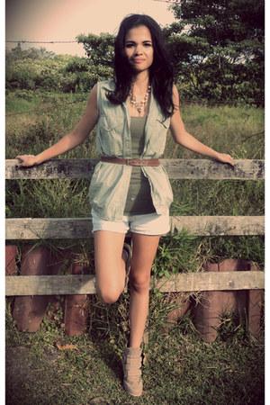 MNG shorts - Zara vest