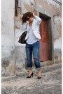 Navy-heels-pull-bear-jeans-white-tank-top-zara-blazer-white-blazer-bag