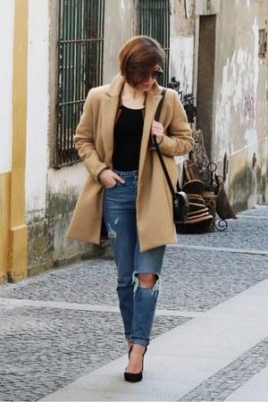black Parfois bag - camel Stradivarius coat - blue pull&bear jeans