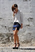 navy platforms pull&bear skirt - off white mini skirt Mango shirt