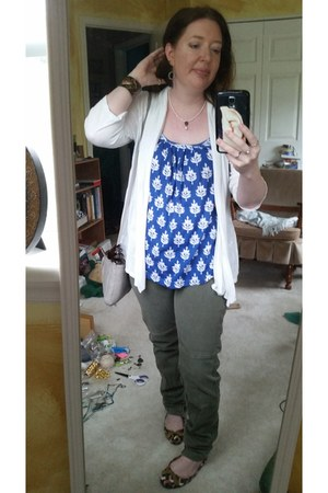 blue Lucky Brand shirt - brown multi ann taylor shoes - green Lucky Brand jeans