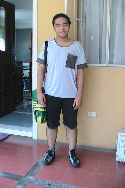 902cc7e14753 gray Oxygen shirt - DIY shorts - Converse shoes - Penshoppe bag