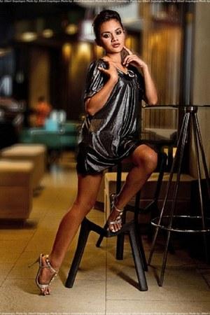 black genevieve gozum dress - silver Parisian shoes