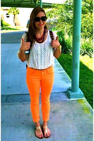 neon orange Hybrid & Company jeans - gold Michael Kors shoes