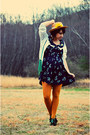 Navy-thrifted-vintage-dress-camel-sunflower-thrifted-vintage-hat