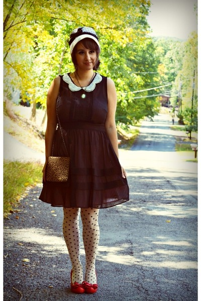 ivory polka dot modcloth tights - red miss l fire shoes