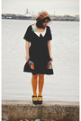 Black-mary-janes-jeffrey-campbell-shoes-carrot-orange-houses-modcloth-dress