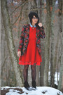 Black-velvet-thrifted-vintage-boots-ruby-red-oasap-dress