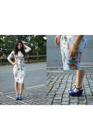 white Just for 5 dress - blue Zara sandals
