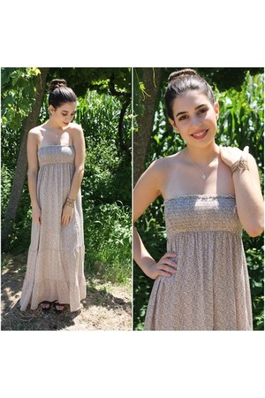 beige Lefties dress