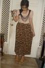 Pink-top-leopard-print-skirt-nude-wedges-silver-ring-bracelet