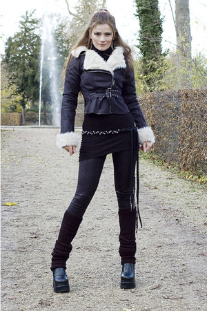 black plateform vintage boots - black perfecto jennyfer jacket - black long 3Sui