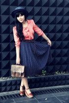 navy vintage skirt - navy vintage hat - dark brown vinges leather Hompilaa bag