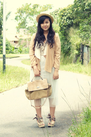 nude croc satchel Minimal bag - neutral lacey ruffle h&m divided top
