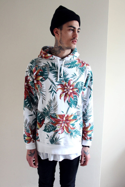 Supreme Hoodie - How to Wear and Where to Buy | Chictopia