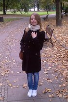 navy jeans Terranova jeans - black cotton H&M coat - beige silk delamo scarf