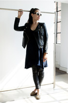 tan animal instinct Santa Clara Milano flats - navy Topshop dress