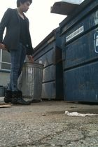 coat - t-shirt - jeans - boots