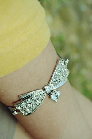 bow Guess bracelet
