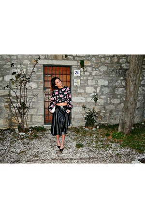 romwe sweatshirt - Mart of China bag - Romwecom skirt - Mart of China heels
