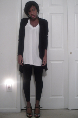 Rue 21 sweater - forever 21 shirt - leggings - shoes