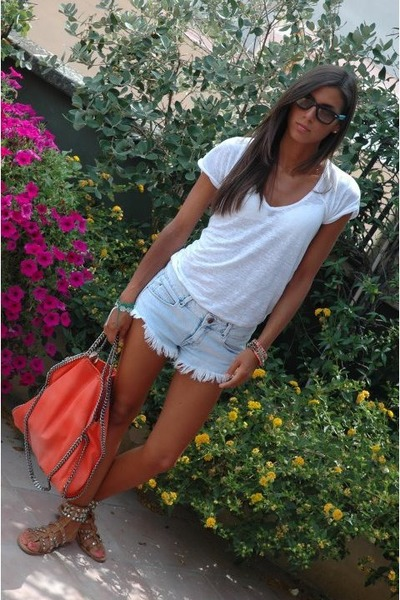 20e4f6d45e carrot orange Stella McCartney bag - light blue Zara shorts