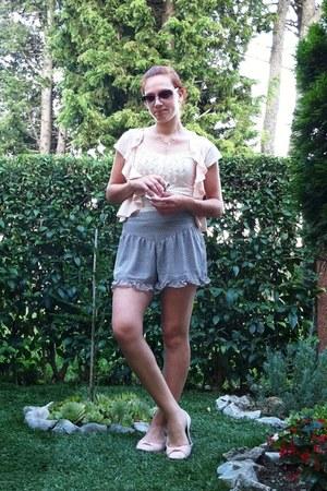 fishbone top - fishbone shorts - fishbone vest - flats