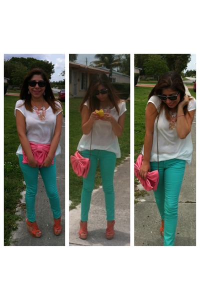 Pinkwasabiboutique necklace - Agacistores jeans - RED valentino bag