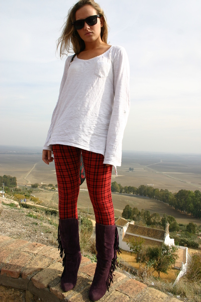 Lefties leggings - Bershka shirt - Marypaz boots - sunnies glasses