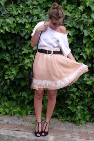 white no brand t-shirt - pink bdba skirt - black vintage belt - black Primark ac