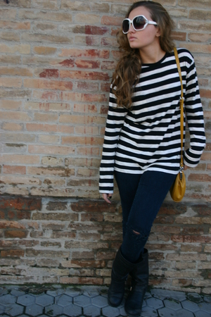 black Marypaz boots - blue jeans - black Zara shirt - gold Stradivarius accessor