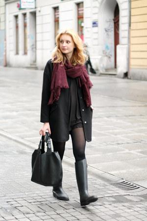 black labotti boots - black second hand dress - black Tally Weijl coat