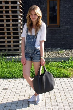 Primark shoes - Manzannan bag - fishbone pants - Mango t-shirt