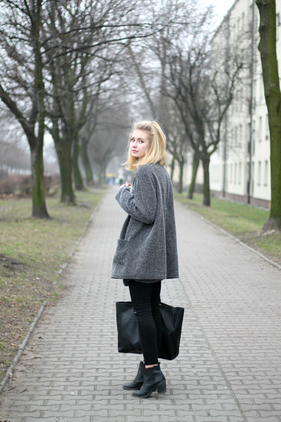 heather gray second hand coat - black Zara bag