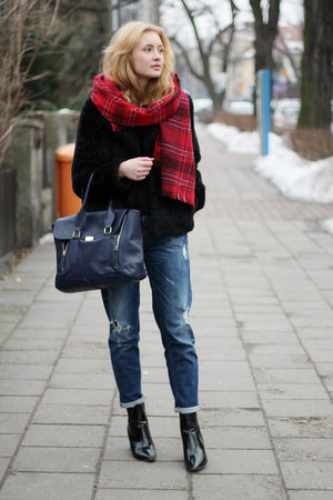 navy second hand jeans - black H&M jacket - navy Manzana bag